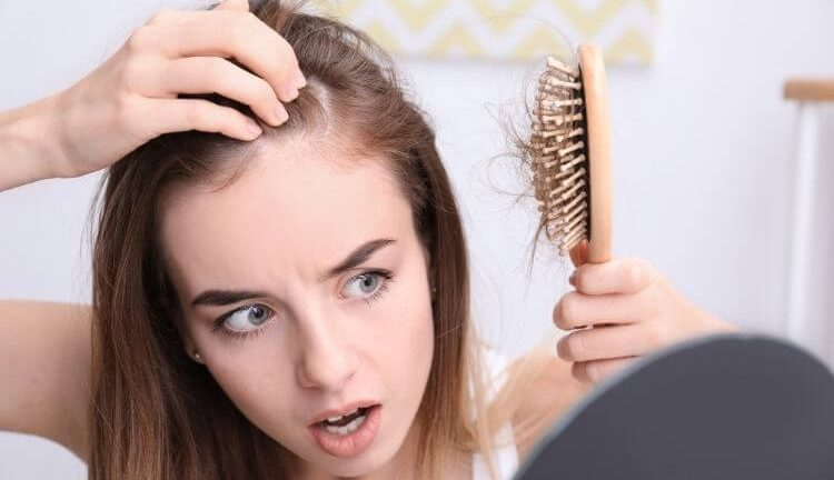 alopecie-definition-alopecie-femme-alopecie-masculine-alopecie-feminine-alopecie-traitement-alopecie-cest-quoi-alopecie-que-faire-alopecie-causes